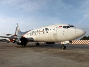 PK-YVU - Batavia Air Boeing 737-300