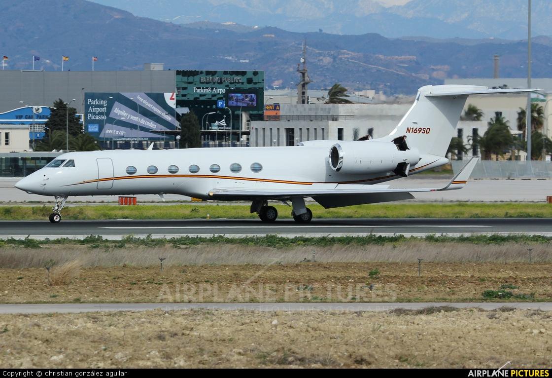 Private N169SD aircraft at Málaga