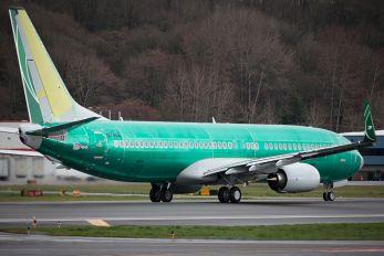 N1786B - Iraqi Airways Boeing 737-800