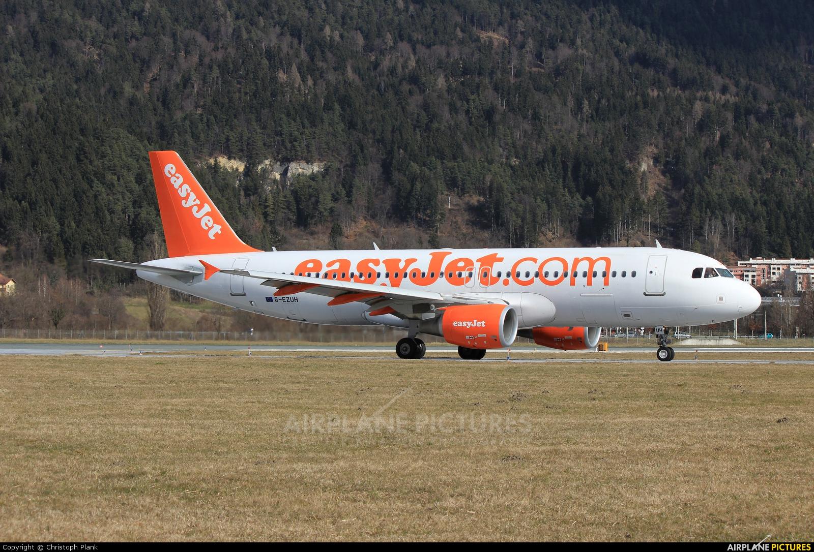 easyJet G-EZUH aircraft at Innsbruck
