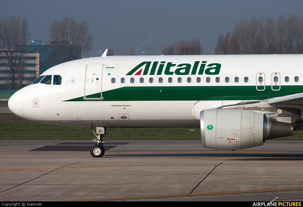 Alitalia EI-EIC aircraft at Milan - Linate