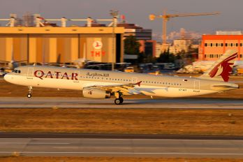 A7-ADT - Qatar Airways Airbus A321