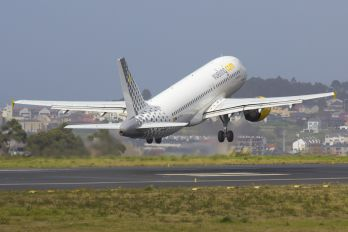 EC-HQJ - Vueling Airlines Airbus A320