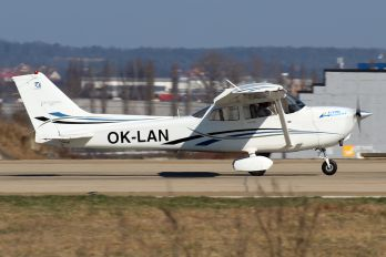 OK-LAN - Private Cessna 172 Skyhawk (all models except RG)