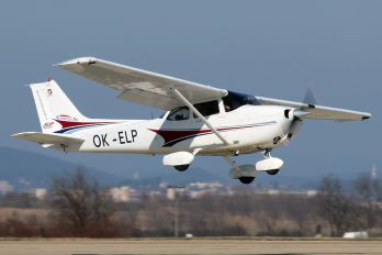 OK-ELP - Private Cessna 172 Skyhawk (all models except RG)