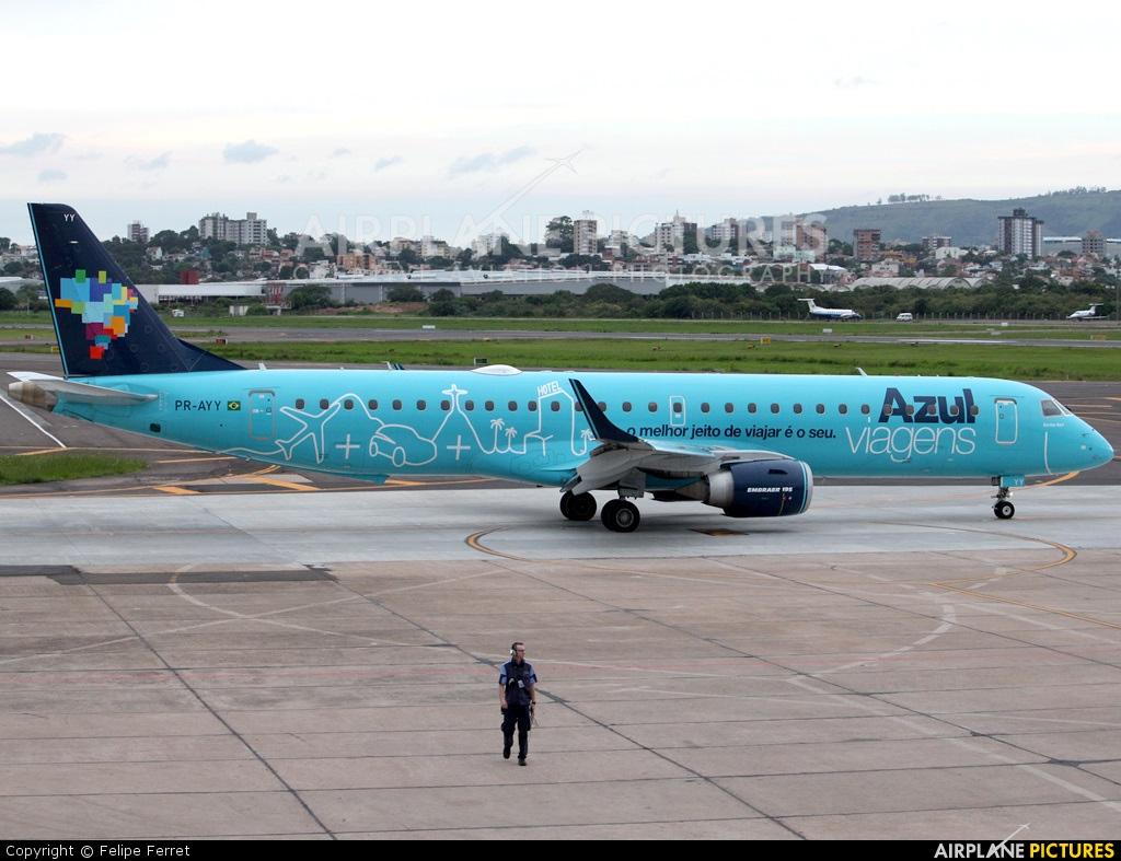 Azul Linhas Aéreas PR-AYY aircraft at Porto Alegre - Salgado Filho