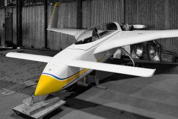 G-BMUG - Private Rutan Long-Ez