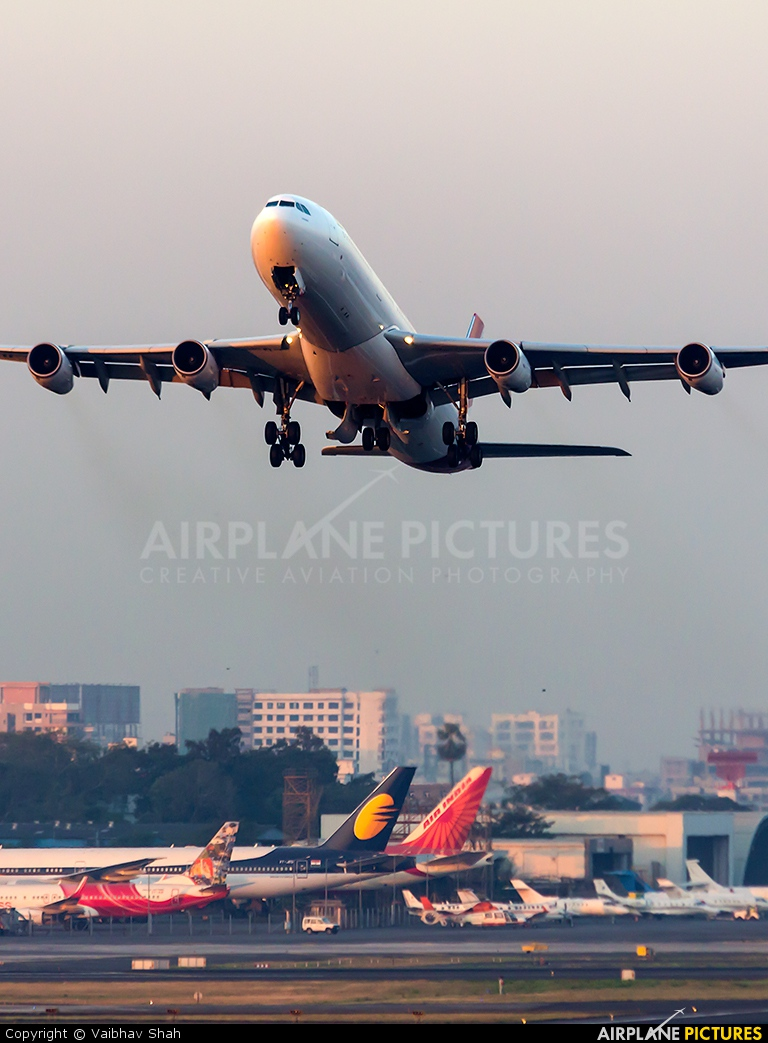 Air Mauritius 3B-NBJ aircraft at Mumbai - Chhatrapati Shivaji Intl