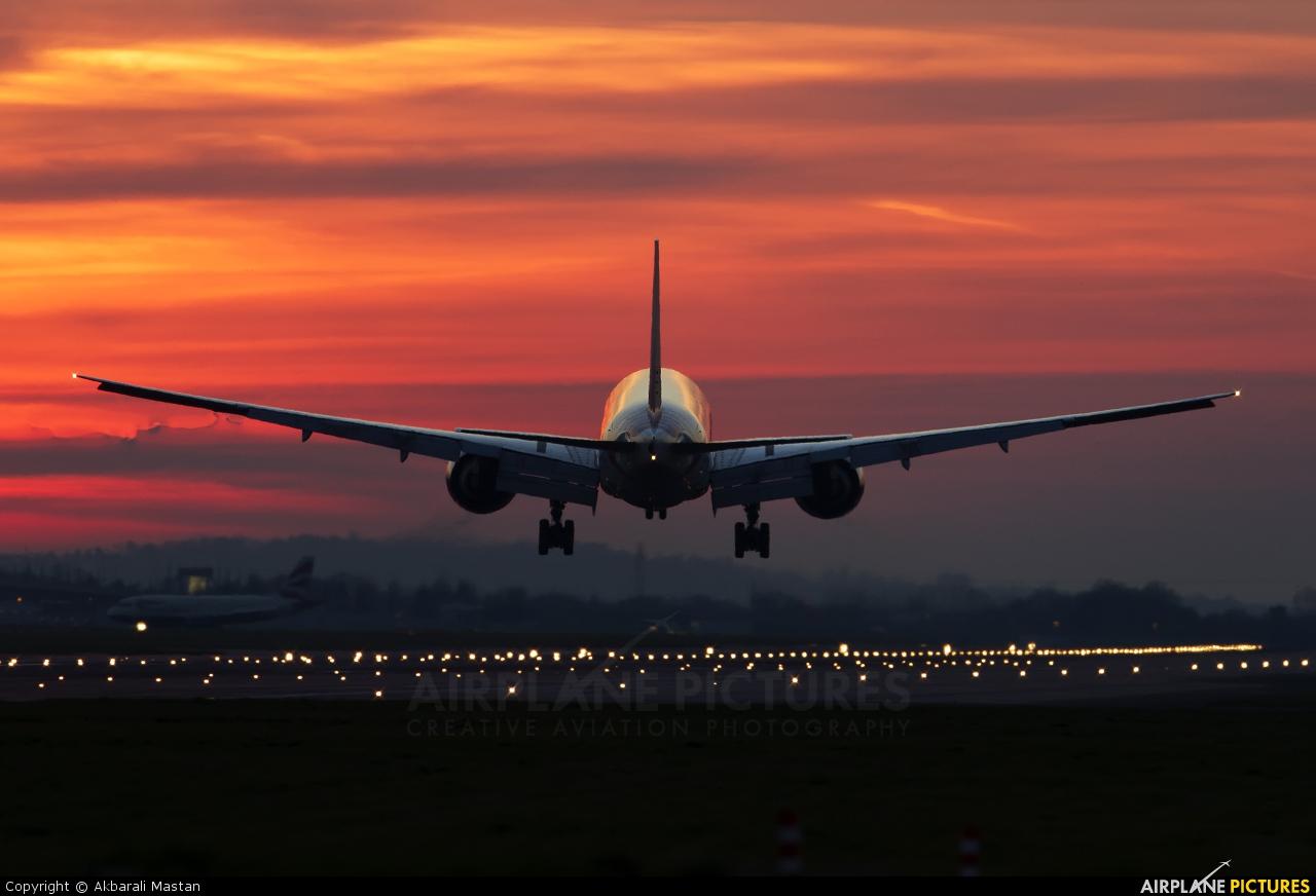 Air India VT-ALR aircraft at London - Heathrow