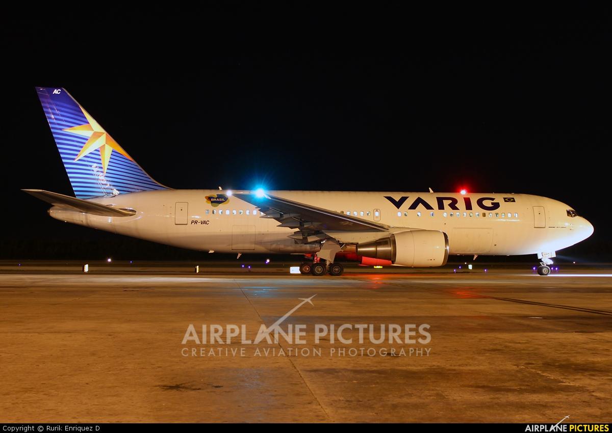 VARIG PR-VAC aircraft at Cancun Intl