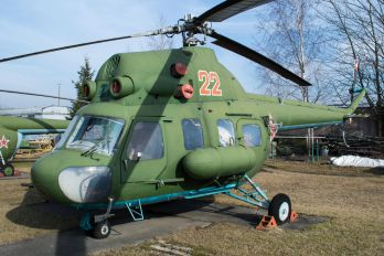 22 - Russia - Air Force Mil Mi-2