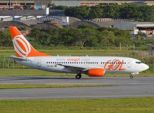 PR-VBM - GOL Transportes Aéreos  Boeing 737-700