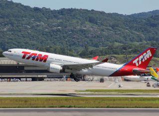 PT-MVU - TAM Airbus A330-200