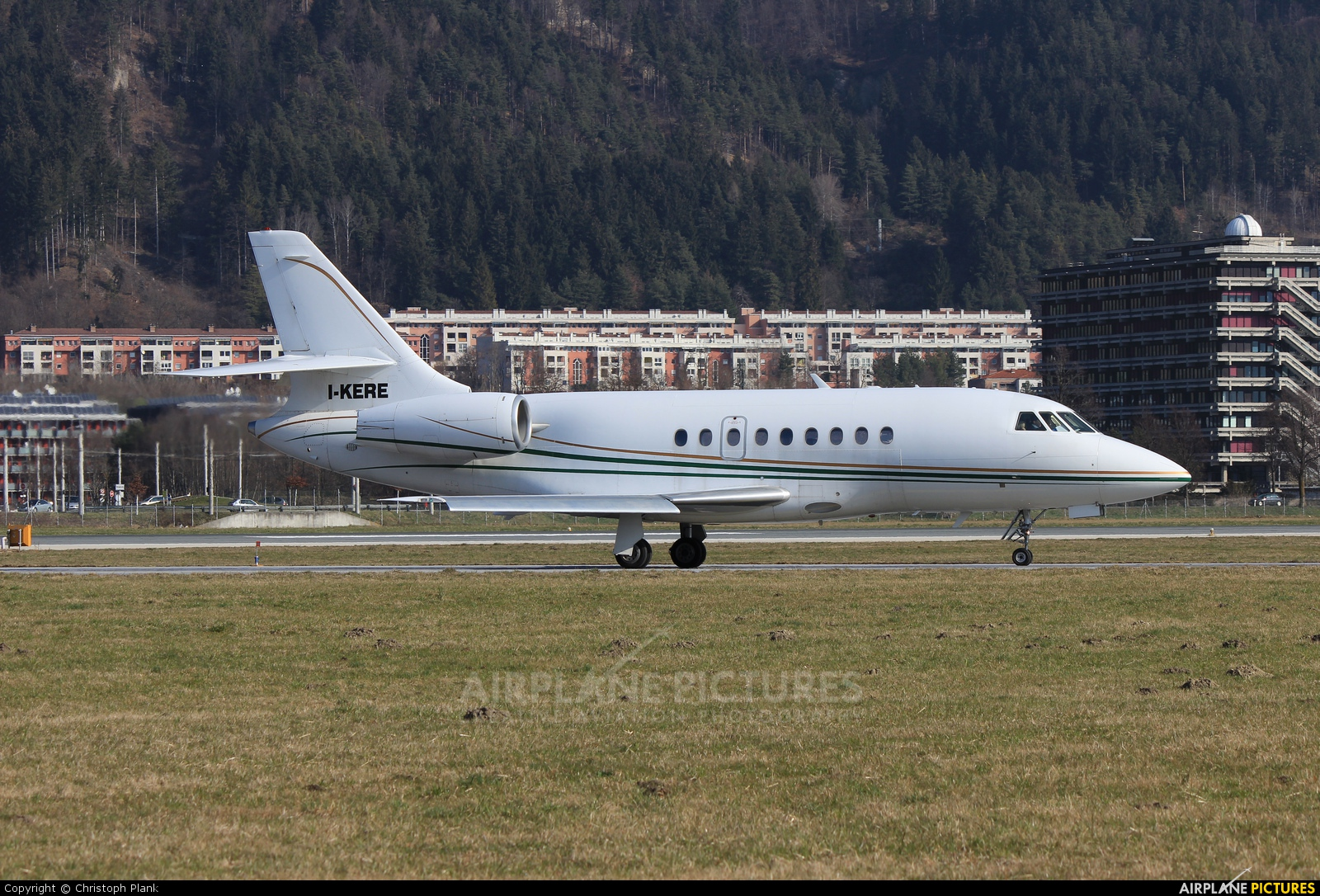Private I-KERE aircraft at Innsbruck