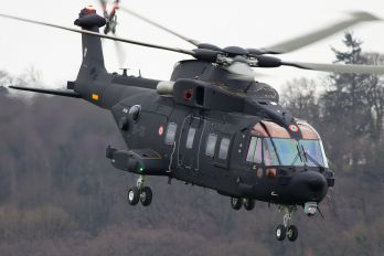 ZR352 - Italy - Air Force Agusta Westland HH101A Merlin Mk.611