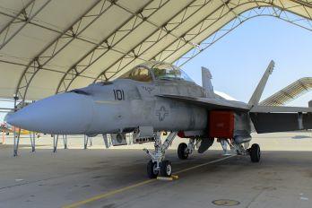 166796 - USA - Navy Boeing F/A-18F Super Hornet