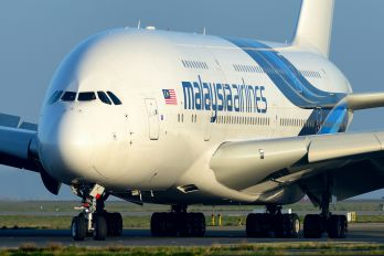 9M-MNE - Malaysia Airlines Airbus A380