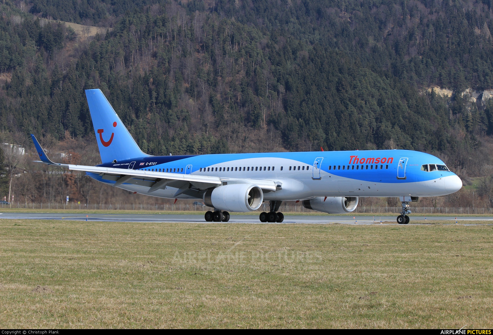 Thomson/Thomsonfly G-BYAY aircraft at Innsbruck