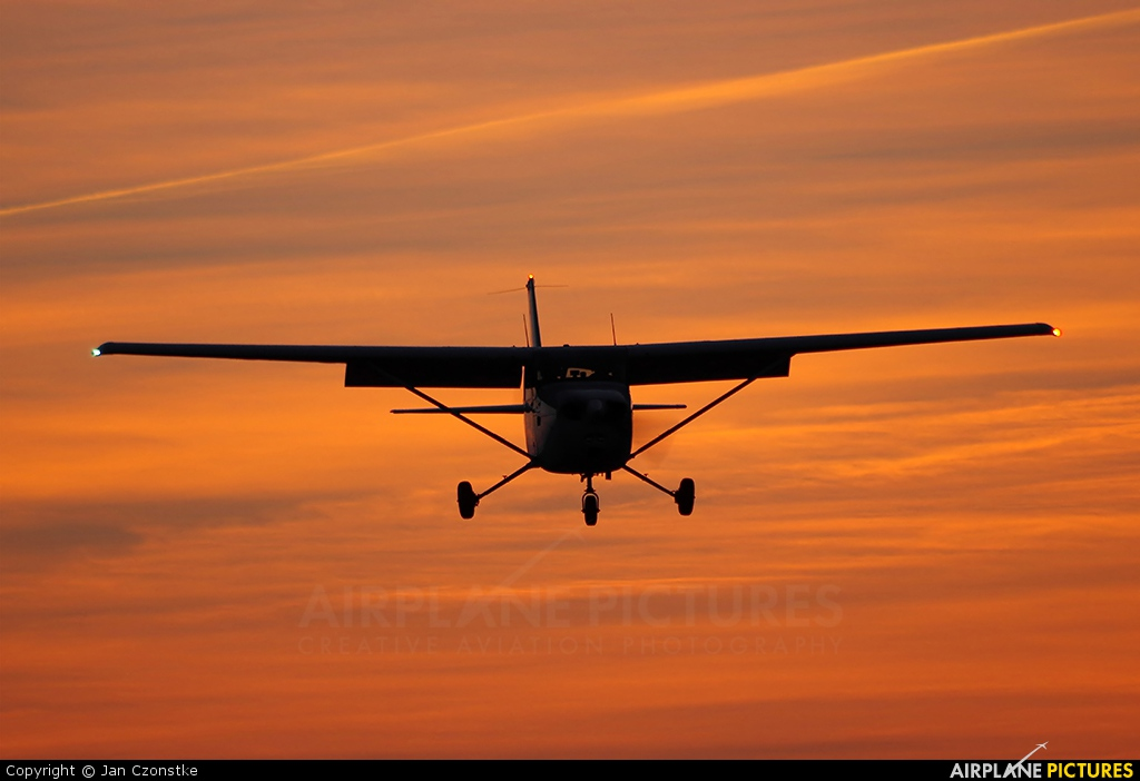 Sportfluggruppe Nordholz/Cuxhaven D-ETWB aircraft at Nordholz-Spieka