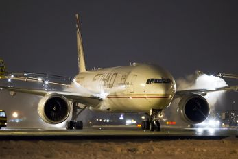 A6-ETQ - Etihad Airways Boeing 777-300ER