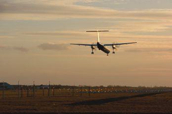 - - Widerøe de Havilland Canada DHC-8-400Q / Bombardier Q400