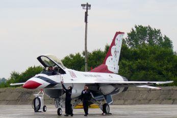92-3888 - USA - Air Force : Thunderbirds General Dynamics F-16C Fighting Falcon