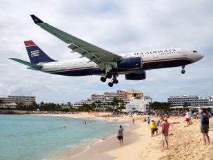 N283AY - US Airways Airbus A330-200