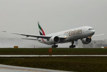 A6-ENO - Emirates Airlines Boeing 777-300ER