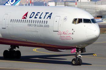 N845MH - Delta Air Lines Boeing 767-400ER