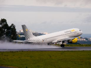 EC-JTR - Vueling Airlines Airbus A320