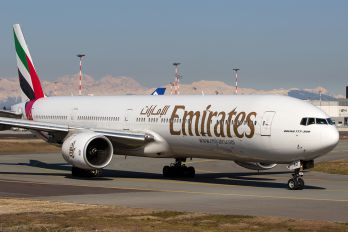 A6-EMO - Emirates Airlines Boeing 777-300