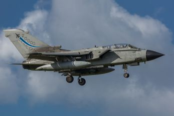 MM55002 - Italy - Air Force Panavia Tornado - IDS