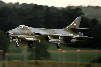 J-4121 - Switzerland - Air Force Hawker Hunter F.58