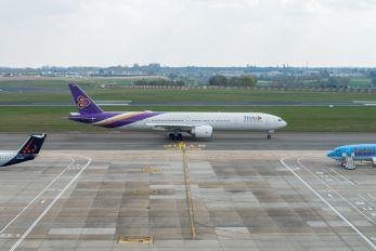 HS-TKQ - Thai Airways Boeing 777-300ER