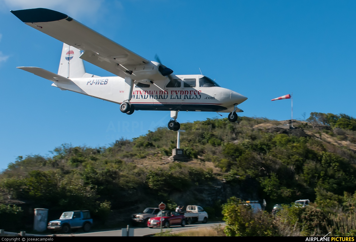 Winward Express PJ-WEB aircraft at Saint-Barthélemy - Gustaf III