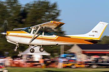 LV-WIC - Private Cessna 182 Skylane RG