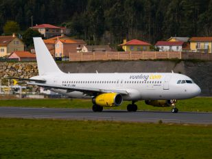 EC-LQM - Vueling Airlines Airbus A320