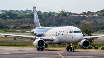 CC-BAR - LAN Colombia Airbus A320