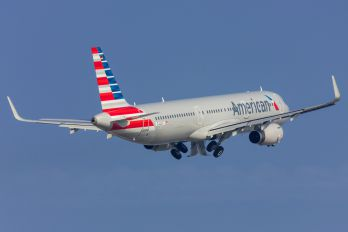D-AZAT - American Airlines Airbus A321