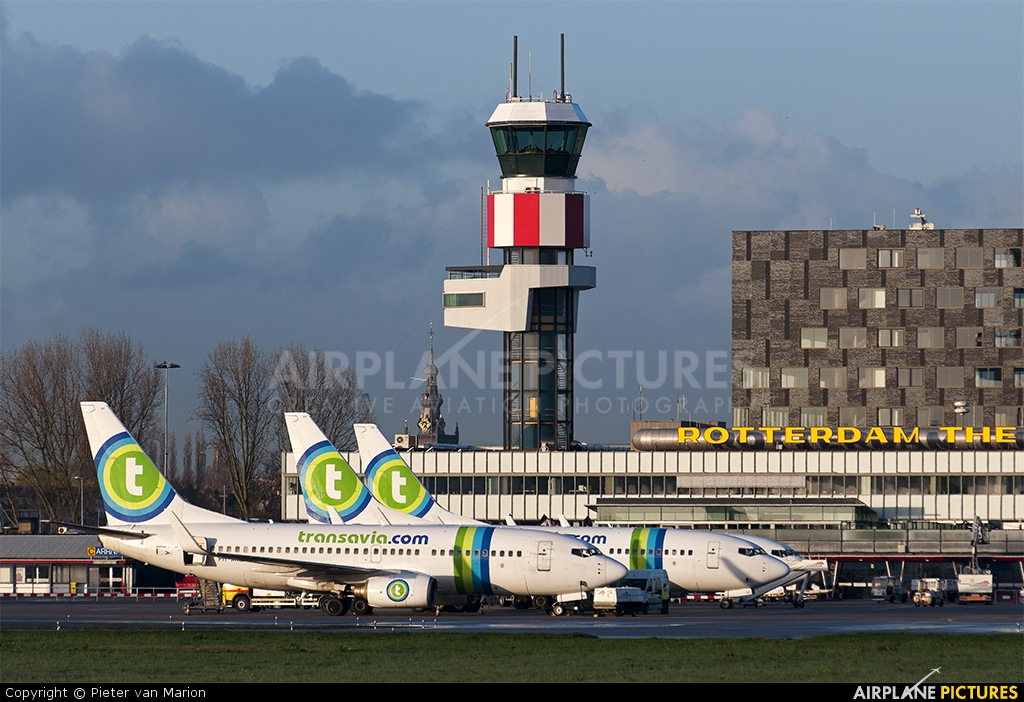 - Airport Overview - aircraft at Rotterdam