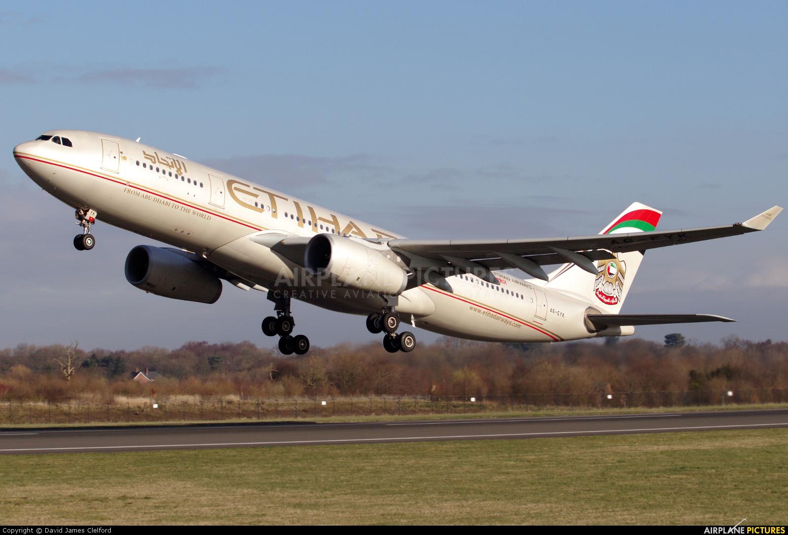 Etihad Airways A6-EYK aircraft at Manchester