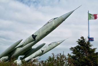 MM6916 - Italy - Air Force Lockheed F-104S ASA Starfighter