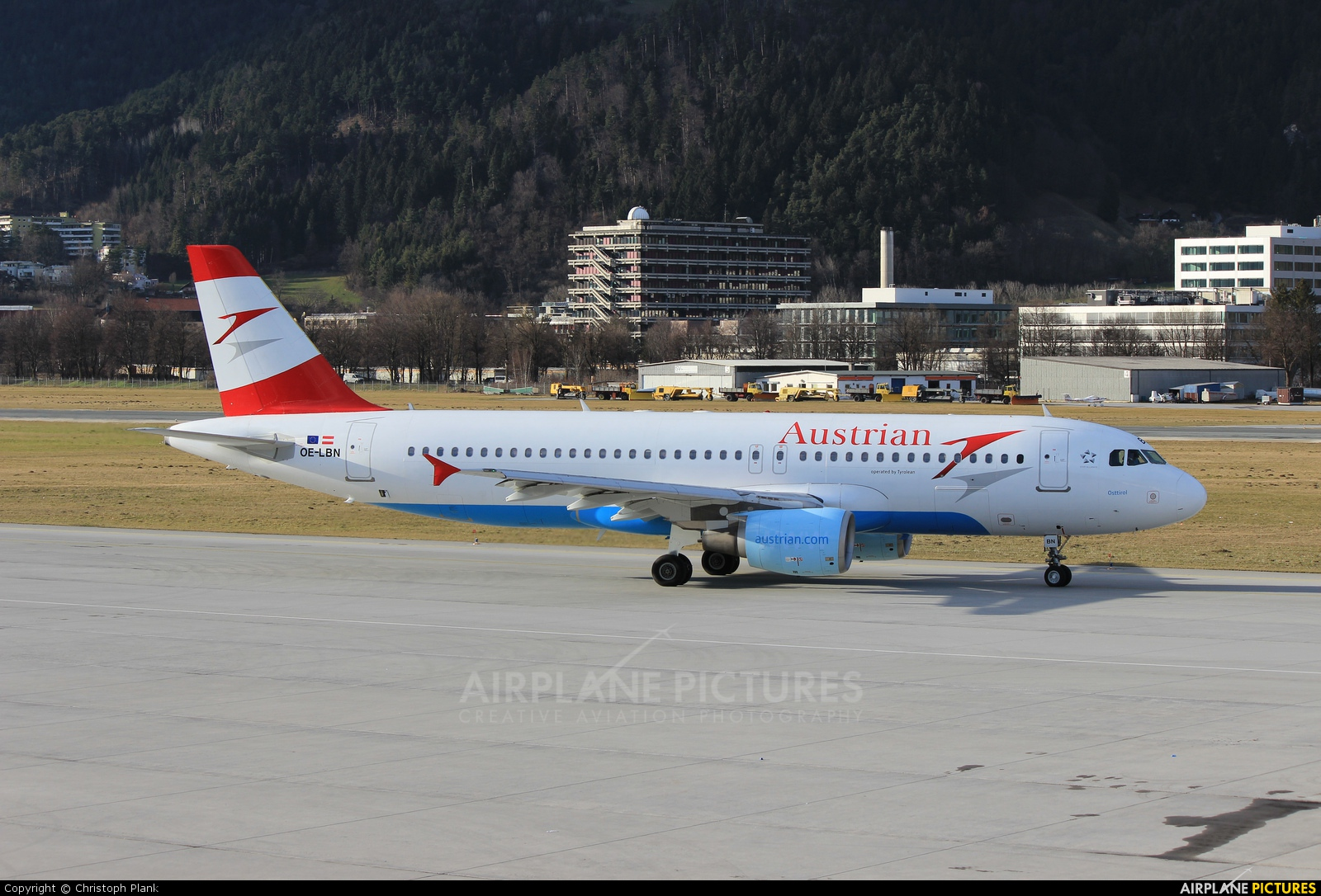 Austrian Airlines/Arrows/Tyrolean OE-LBN aircraft at Innsbruck