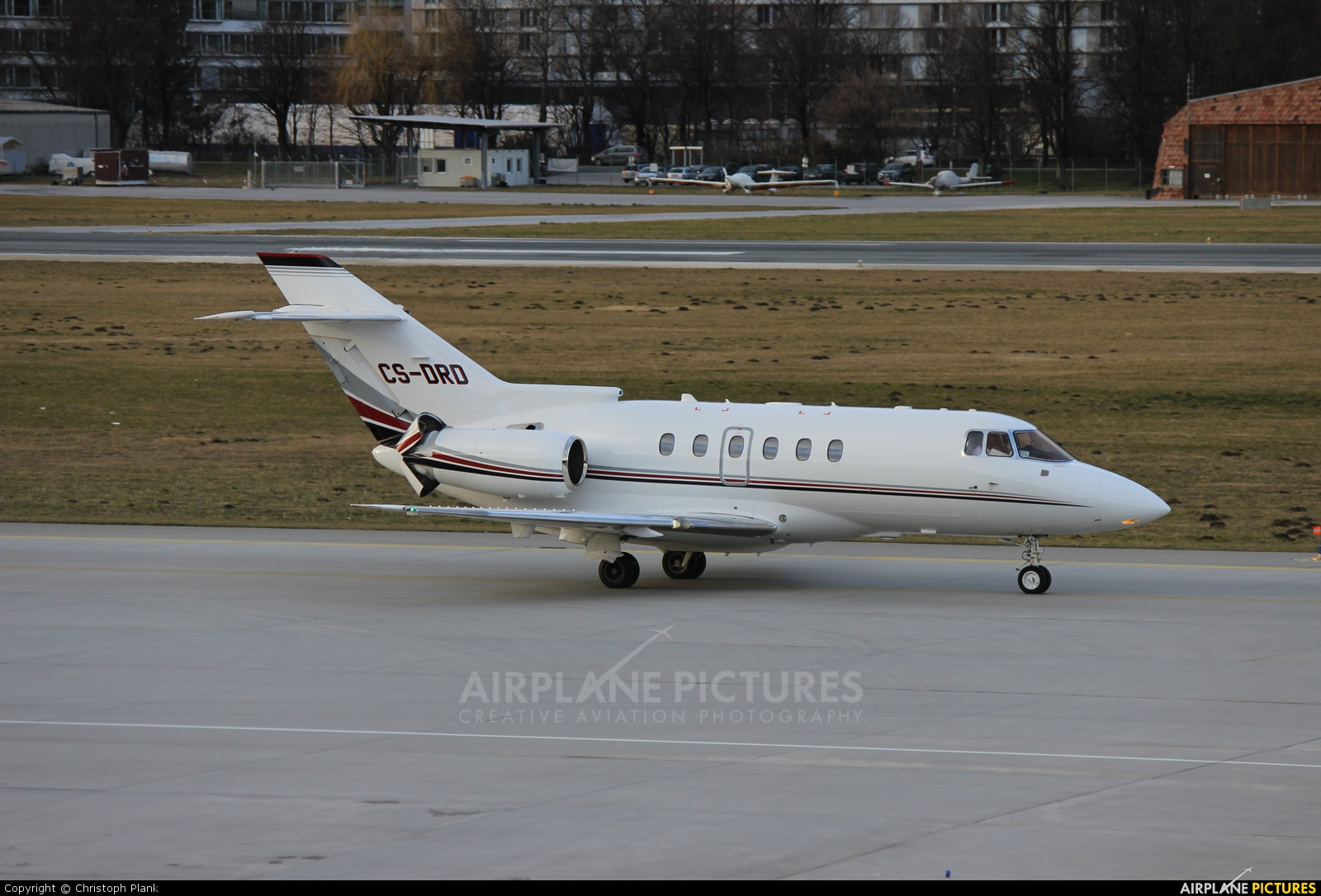 NetJets Europe (Portugal) CS-DRD aircraft at Innsbruck