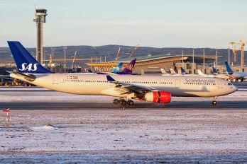 LN-RKM - SAS - Scandinavian Airlines Airbus A330-300