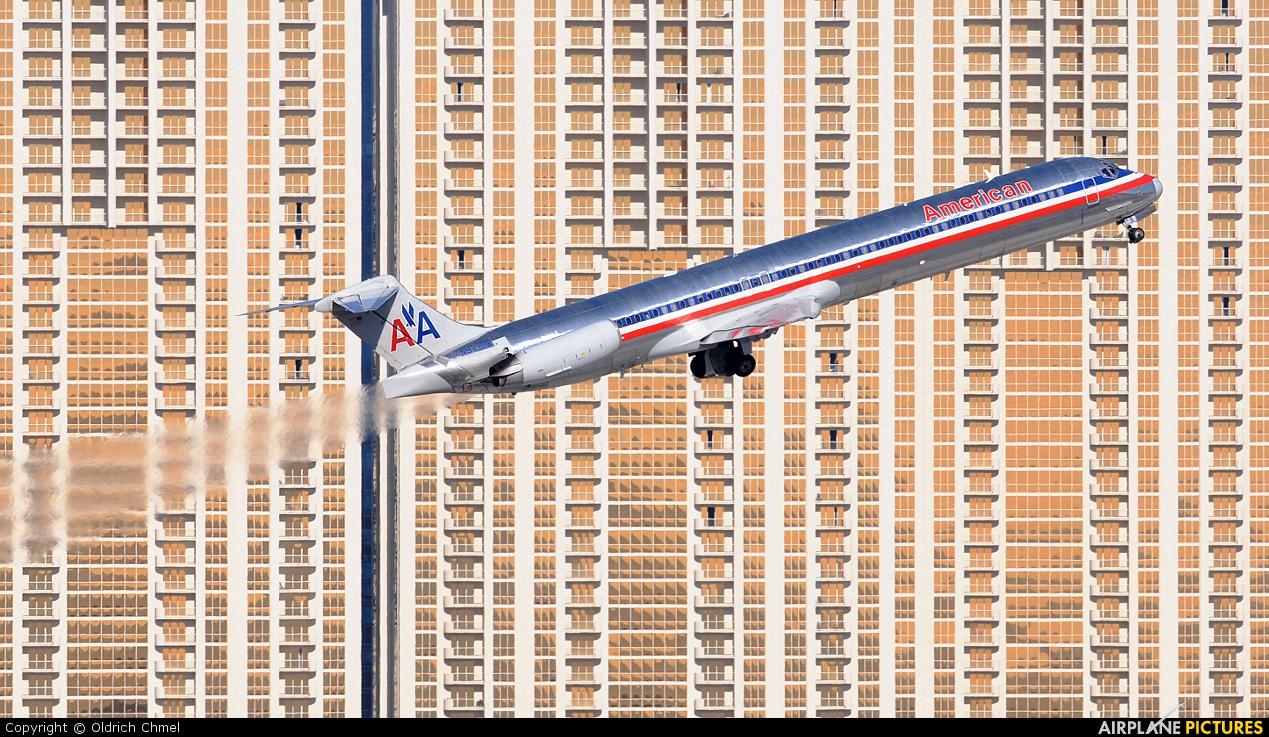American Airlines N9401W aircraft at Las Vegas - McCarran Intl