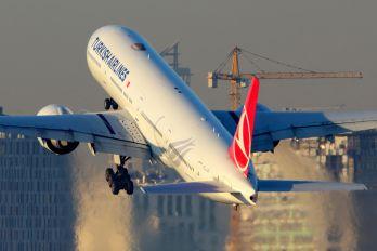 TC-JJG - Turkish Airlines Boeing 777-300ER