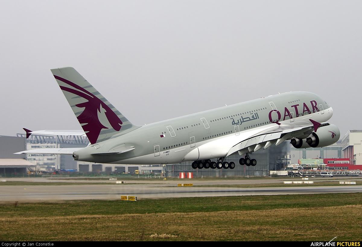fwwst qatar airways airbus a380 at hamburg