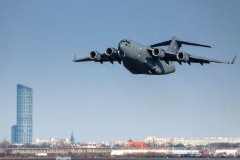 08-0003 - USA - Air Force Boeing C-17A Globemaster III
