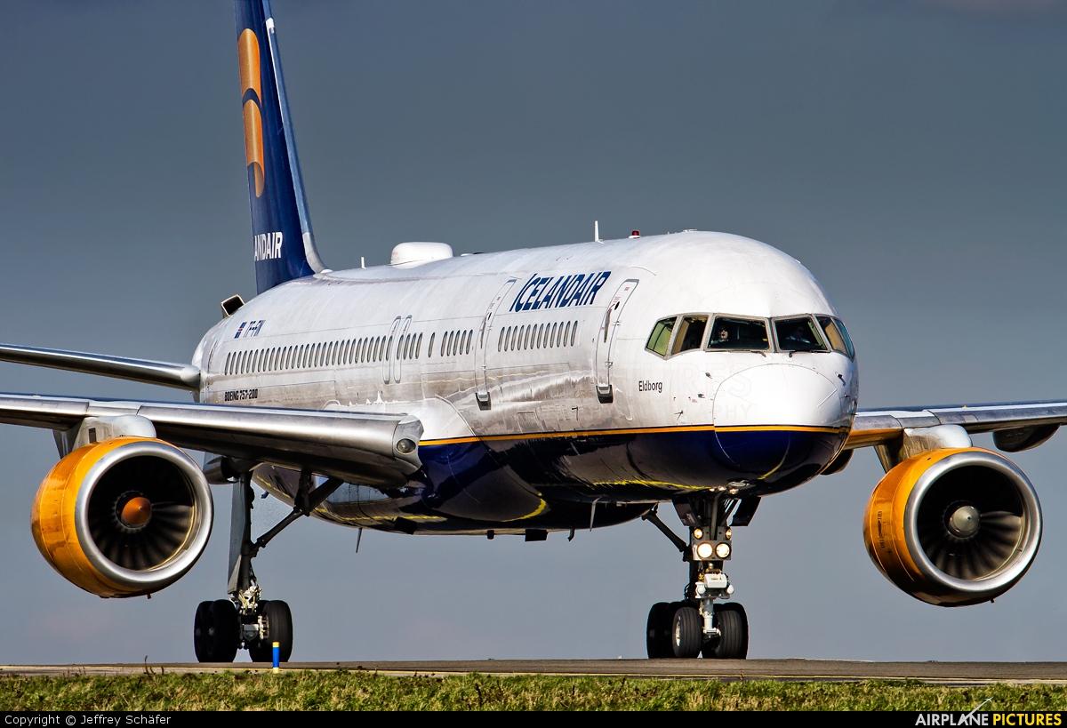 Icelandair TF-FIN aircraft at Amsterdam - Schiphol